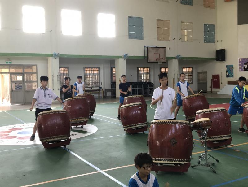 戰鼓隊練習